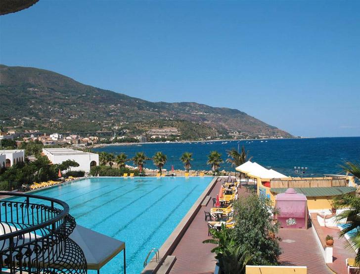 La playa hotel club s patti me i viaggi del cavallino - Canarie a dicembre si fa il bagno ...